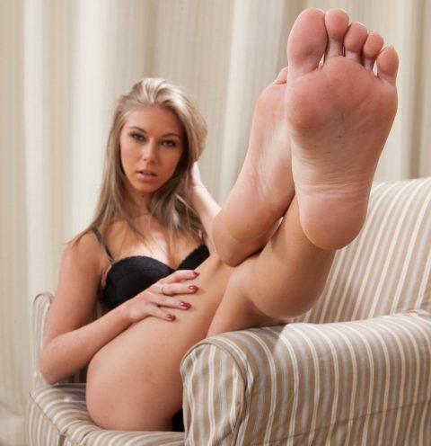 Abby Bare Feet Close-up