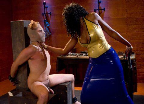Cruel Ebony Domina Chokes Bondaged Slave