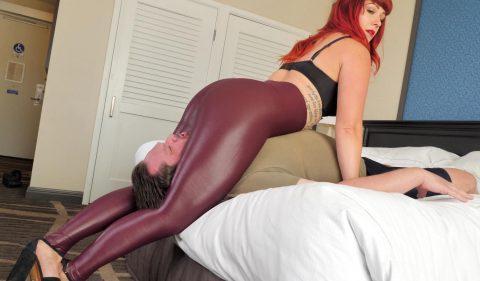 Curvy Mistress Karma With Big Ass In Spandex Leggings - Scissoring Femdom