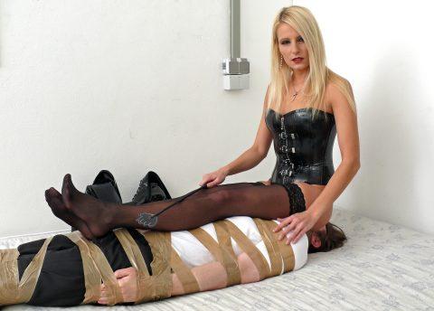 Mistress Natalie Black Full eight Facesitting For Bondaged Slave's Face - Human-Chair Femdom
