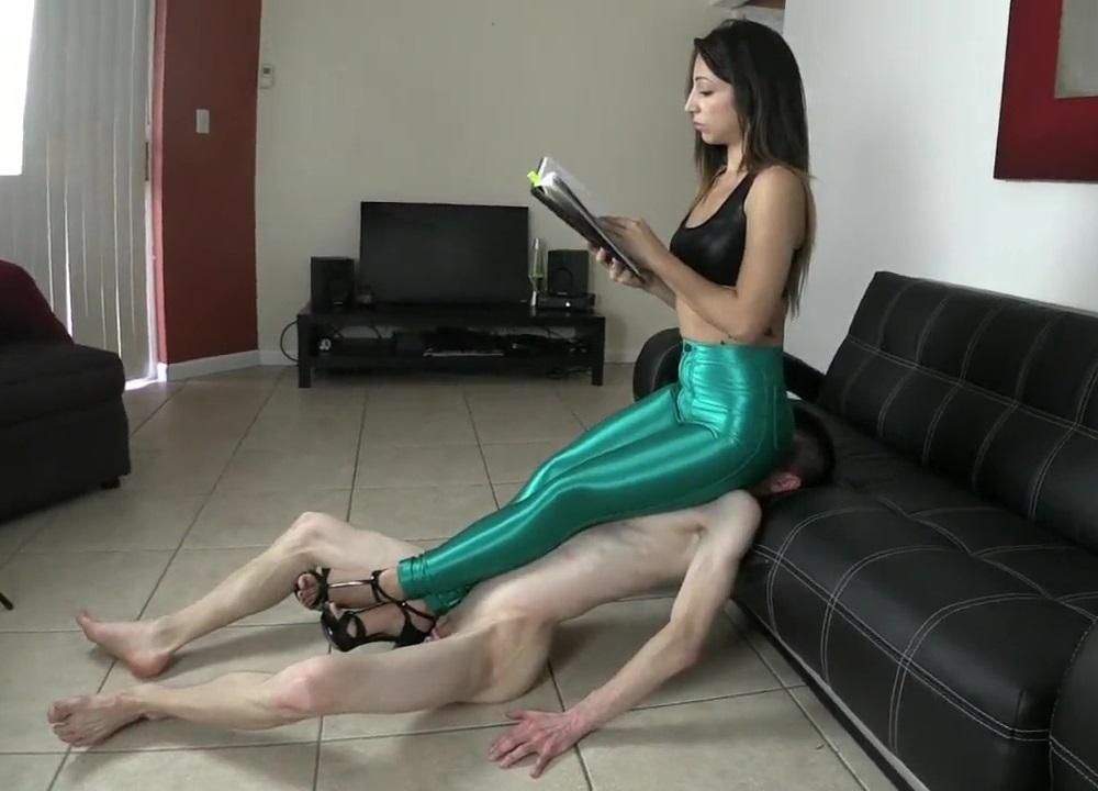 Sexy Queen Alexa Rydell - Full Weight Ignoring Facesitting Femdom In Leggings - Human Furniture Slave