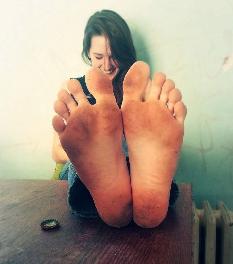 Real Amateur Teen Girl's Very Dirty Feet On a Table