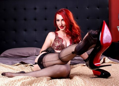 Redhead Mature Mistress Kendra James Show Her Feet In Stockings