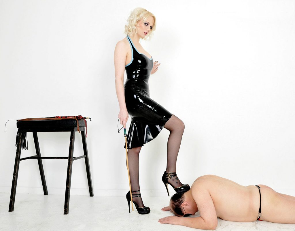 Slave Bows Before Mistress Heather - Slave's Head Under The Goddess's Foot