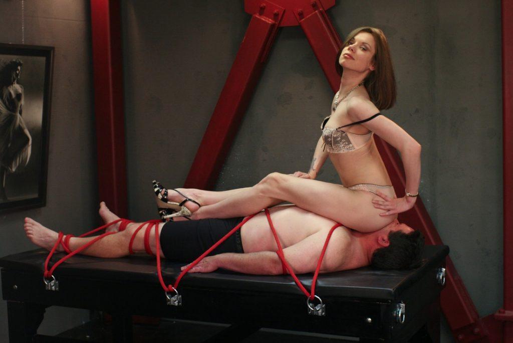 Milf Mistress Bijou Steal In Panties Fulleight Facesitting On Bondaged Slave