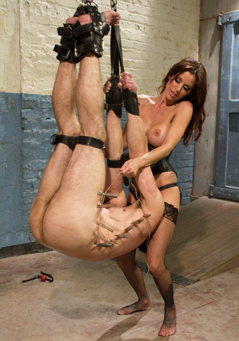 Milf Mistress Gia DiMarco In Fishnet Stockings Facesitting On Suspended Slave's Face
