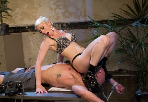 Goddess Lorelei Lee In Patent Leather Boots Facesitting On Tied Bald Slave
