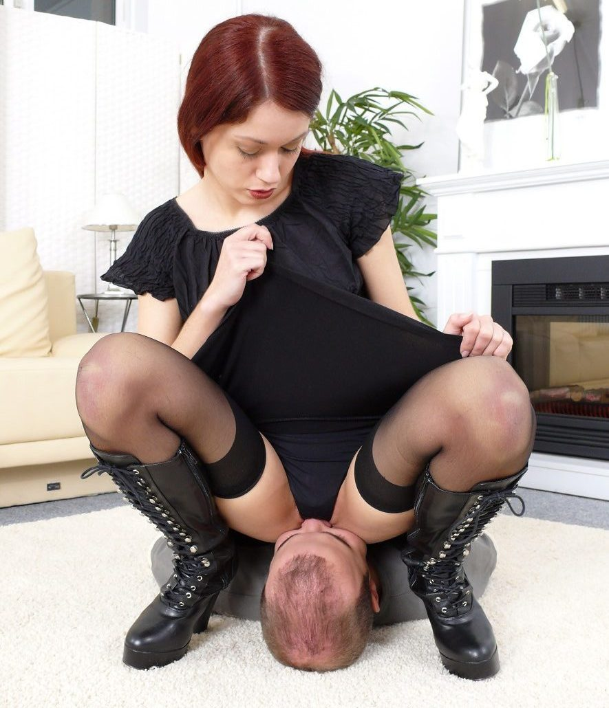Gorgeous Mistress Luna Face-Sitting Smother In Panties