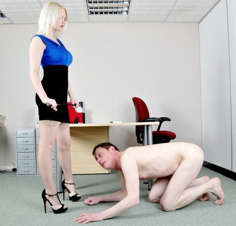 The Pathetic Slave Kneels Before The Goddess Heather and Worships Her Greatness