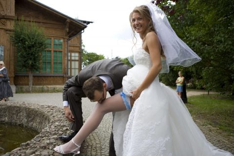 Dominant Bridge's Foot Worship On Public Outdoor - Amateur Femdom At The Wedding