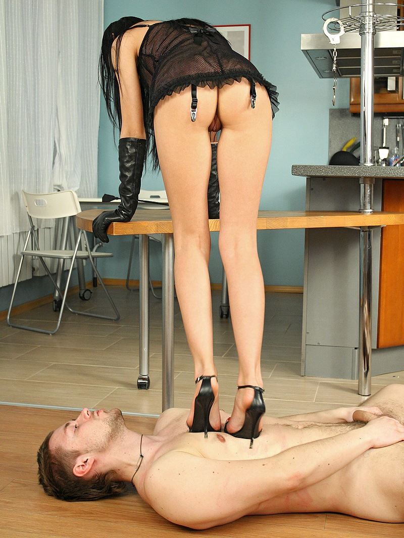 Skinny Princess Sasha Rose In Leather Glowes and High Hiils - Trampling Nude Slave