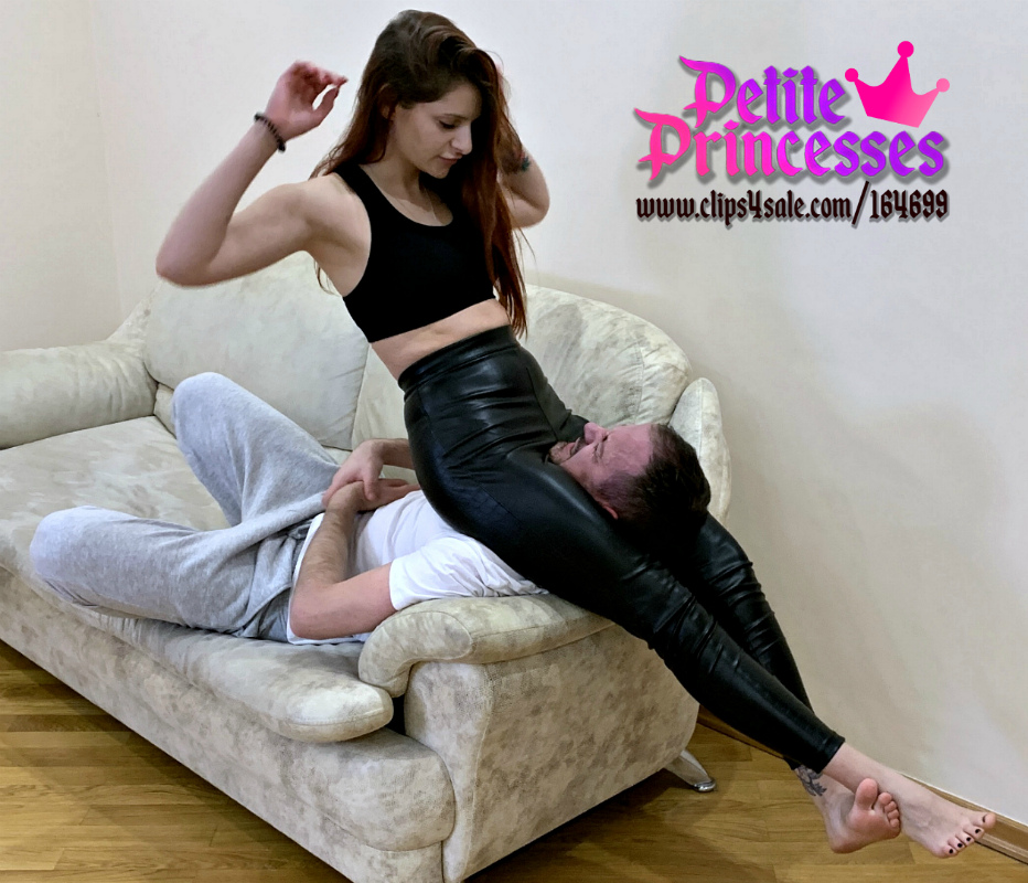 Hardcore Head Scissoring in Leather Pants and Throat Sitting Smother Femdom With Young Mistress Sofi
