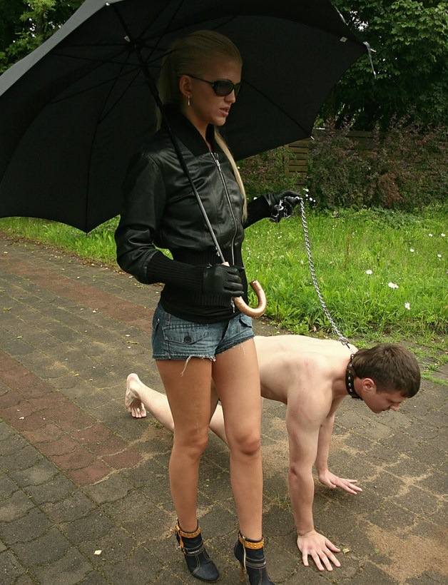 Thin Rich Blonde Mistress Walks Her Nude Pet Slave In Collar and Leash Outdoor