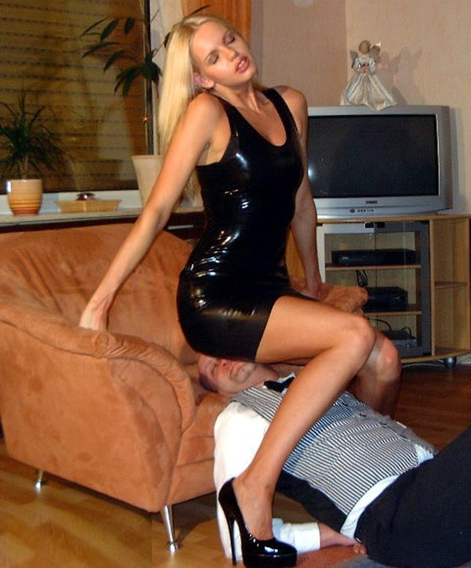 Sexy Tall Goddess Lorraine Sisco In Black Latex Dress - Facesitting on Old Slave